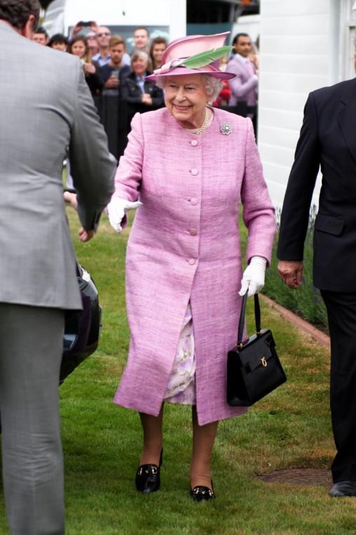 queen arriving
